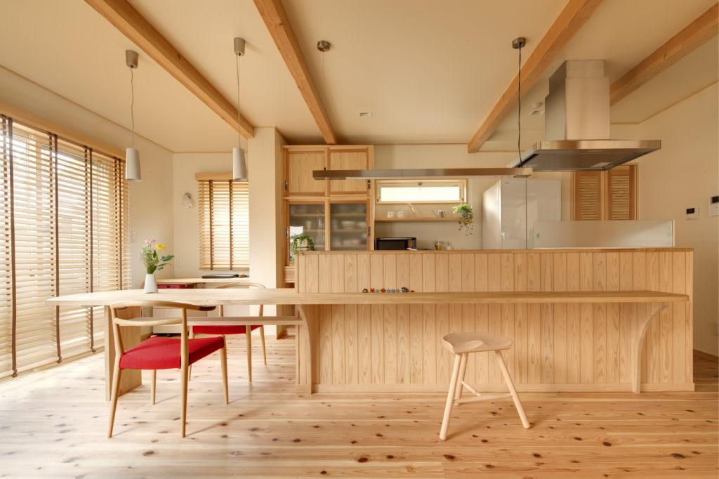 つながりのあるアイランドキッチンの家 (瀬谷区S様邸)